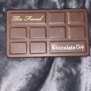 Too faced used matte chocolate chip mini